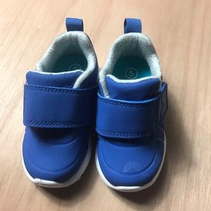 Cat and Jack Baby Toddler Sneakers size 5 Blue